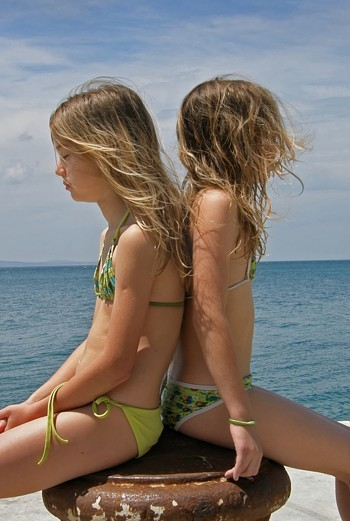 брат и сестра голые фото
