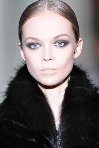 Модный макияж зима 2010