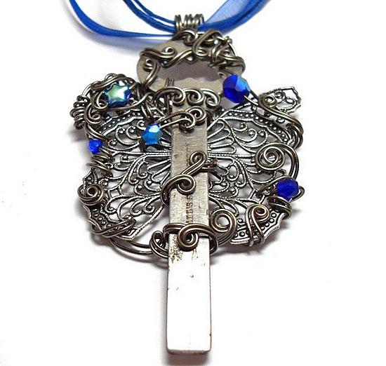 Ювелирные чудеса из старых ключей, винтажных пуговиц и ракушек от  Sojourn Curiosities