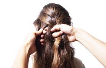 Учимся заплетать французскую косу
