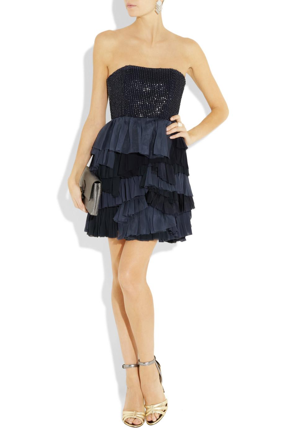 Платье из кружева с пайетками